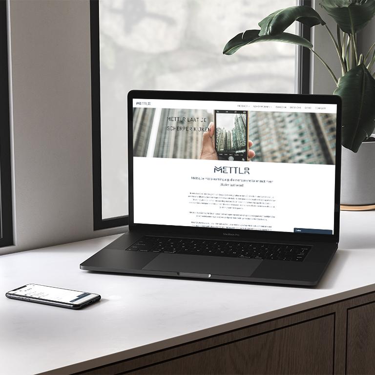 mettlr-portfolio-made-marketing-online-marketing-website-bouwen-laptop-mockup