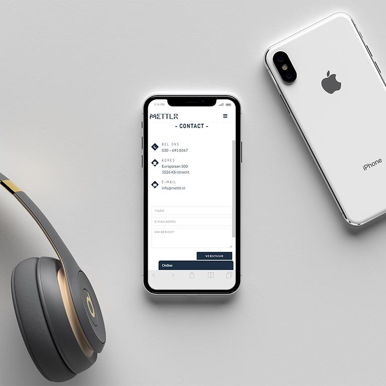 telefoon-Mockup-made-marketing-portfolio-Mettlr