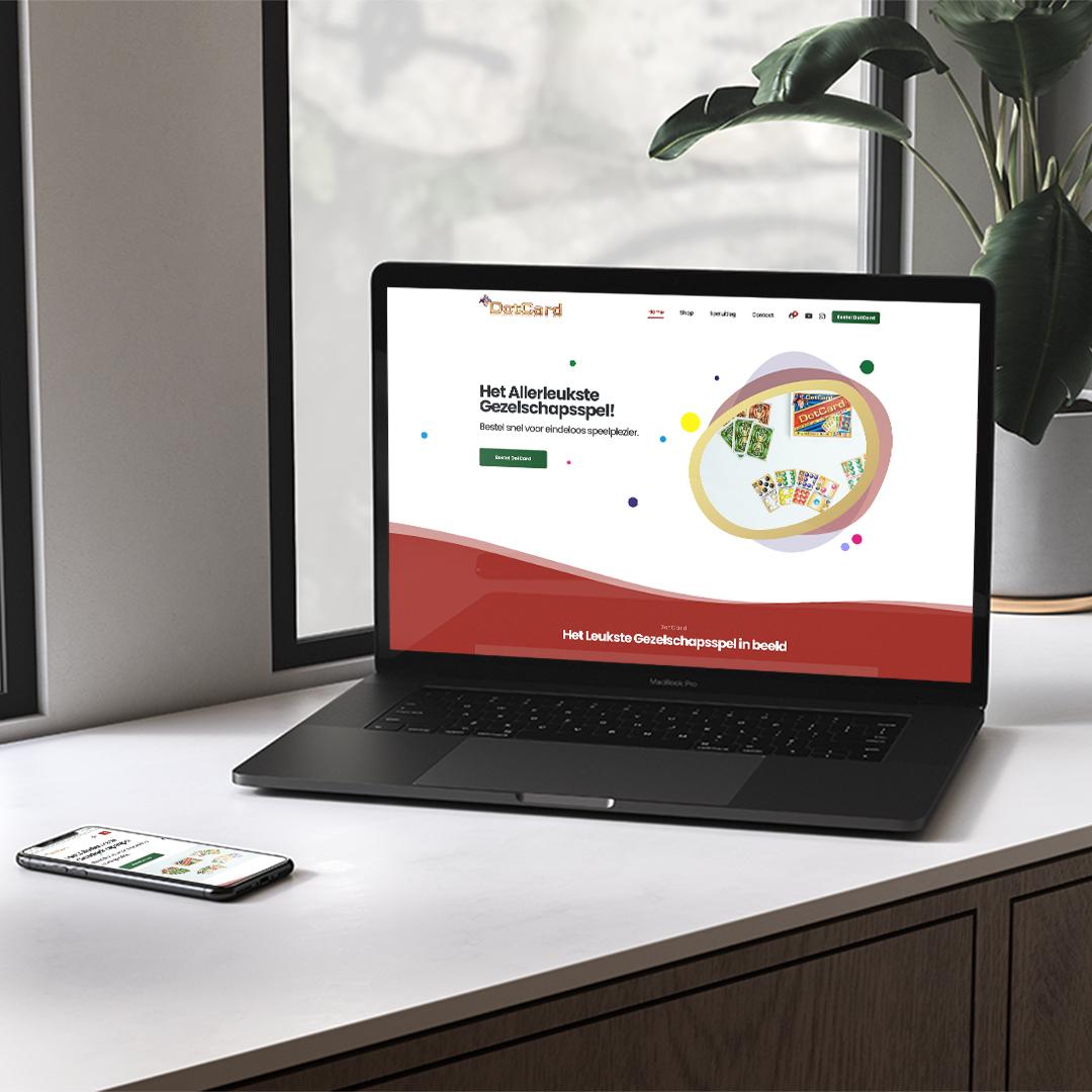 LaptopMockup-made-marketing-portfolio-dotcard