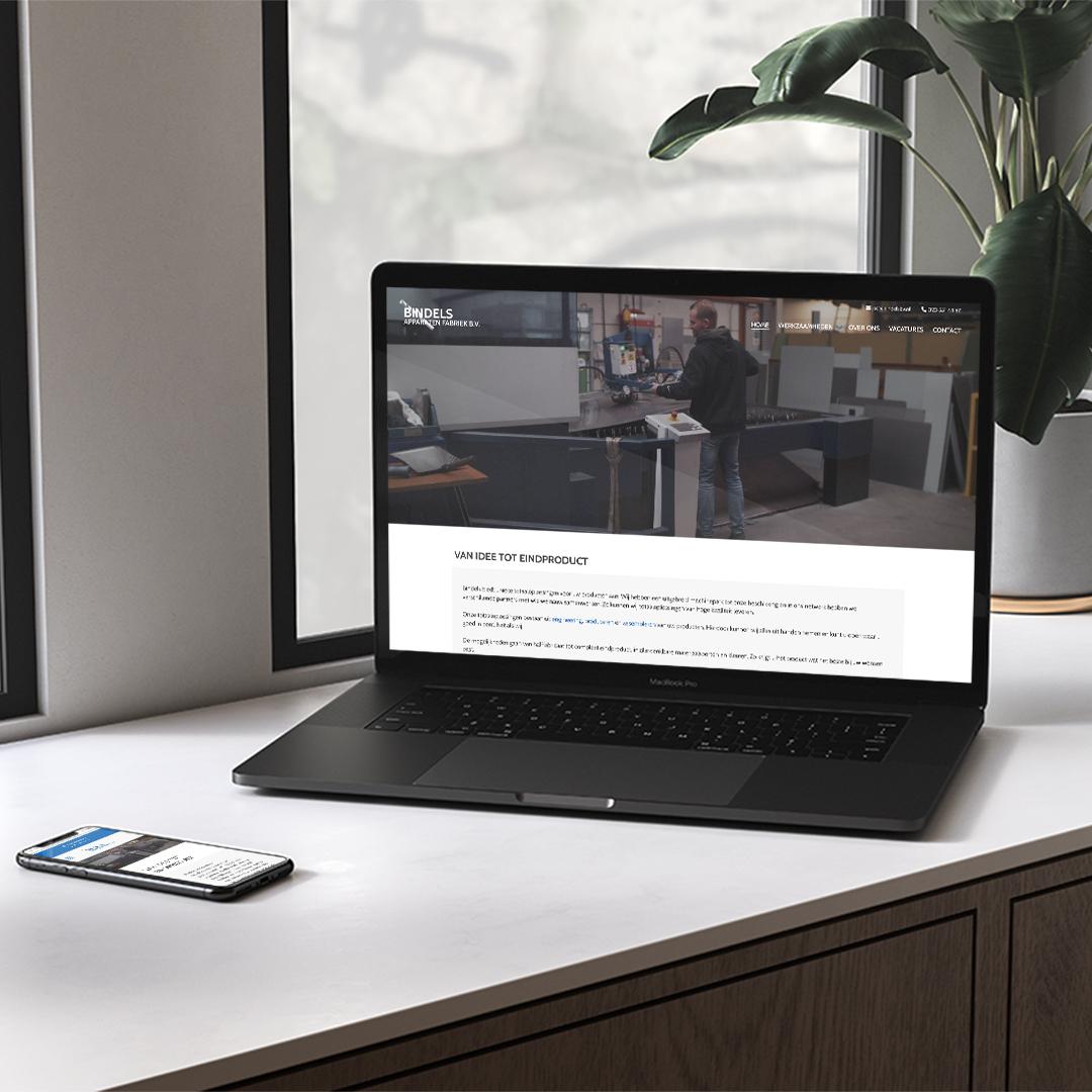 LaptopMockup-made-marketing-bindels